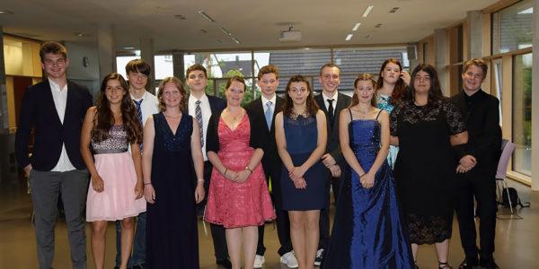 Klassenfoto der Abschlussschüler des Jahres 2017